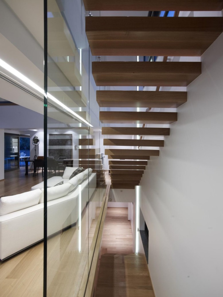Modern House in Dionysos by Nikos Koukourakis & Associates