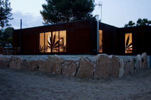 Infiniski Menta House by James & Mau