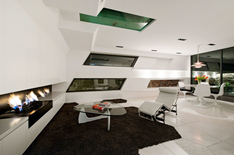 The Hive Apartment by ITN Architects
