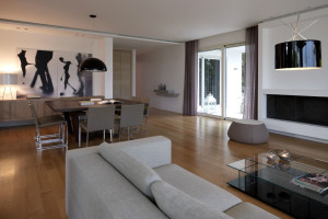 Apartment in Panorama-Voula by Lm Architects