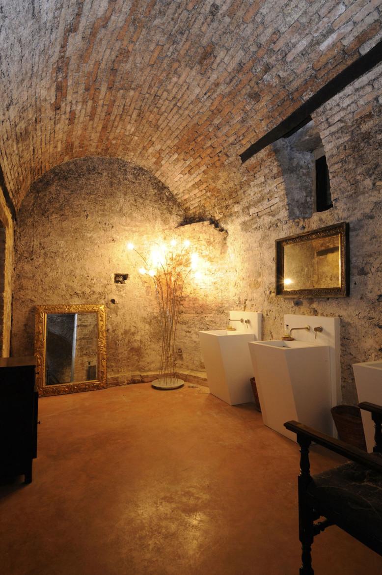 Castello di Semivicoli by Oriano Associati Architetti