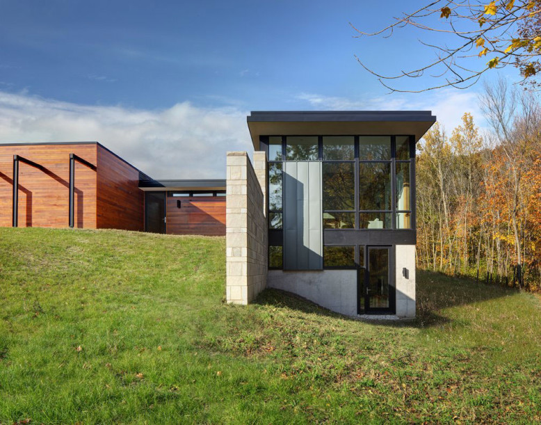 Fieldstone House by Bruns Architecture