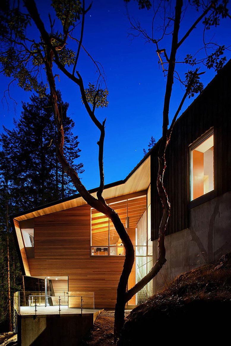 Modern Retreat by Battersby Howat Architects