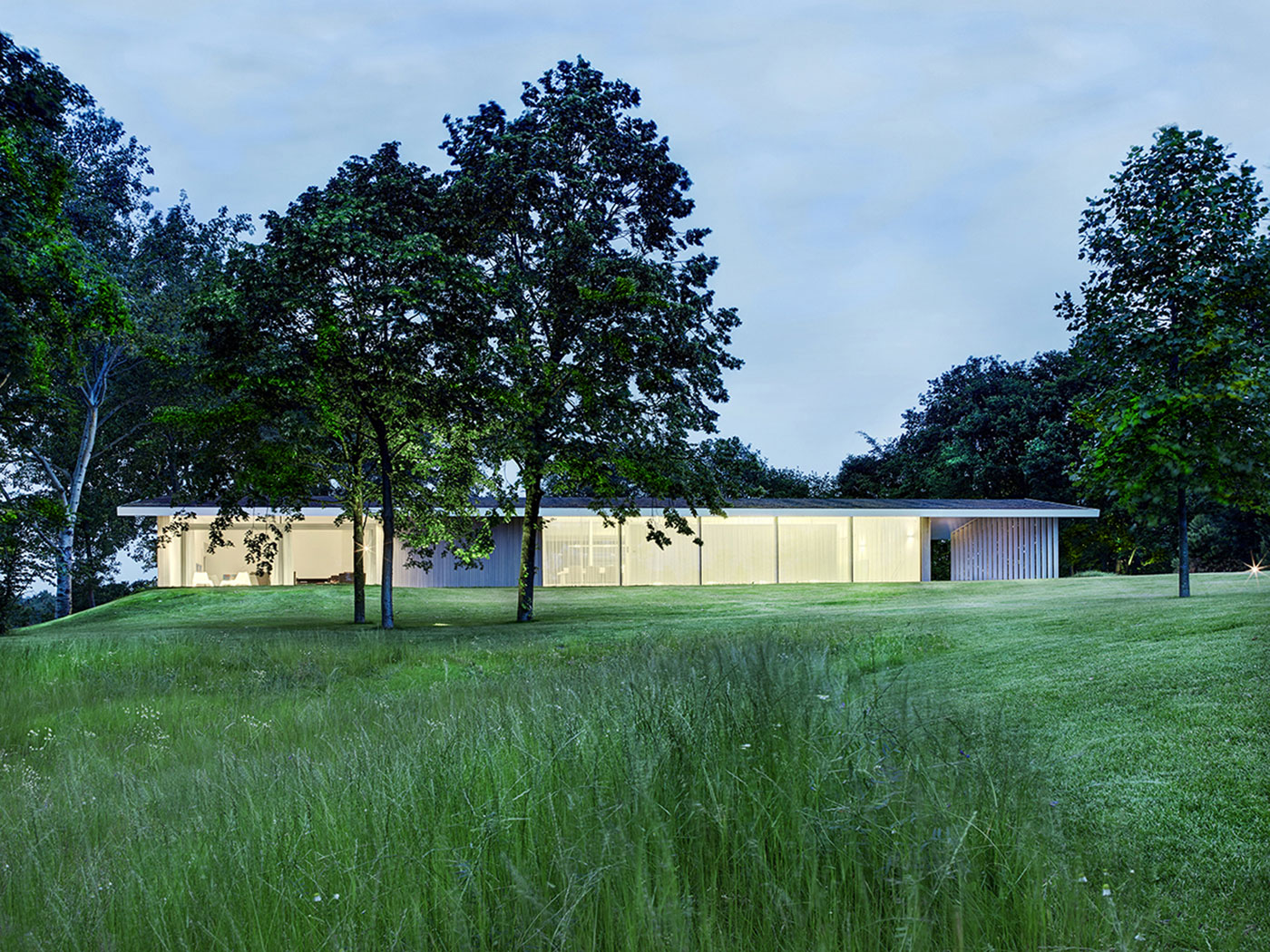 House l by grosfeld van der velde architecten