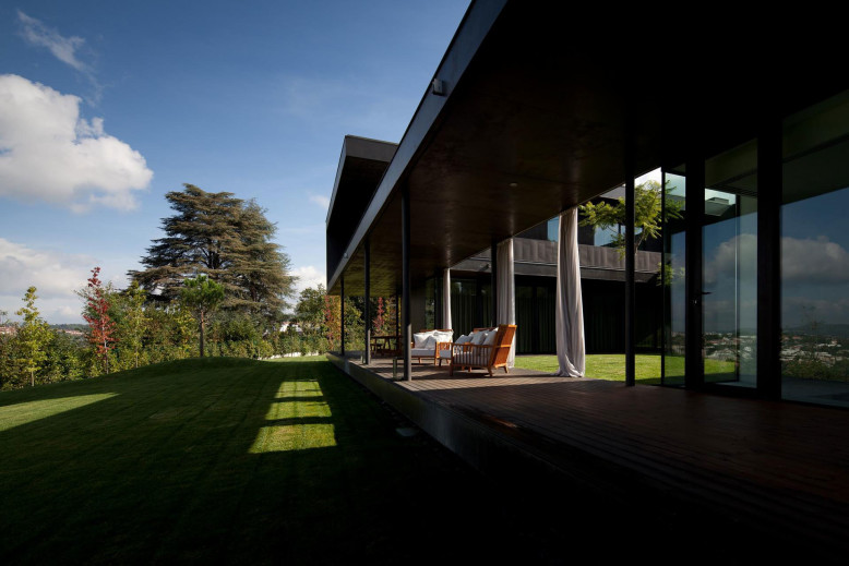 L23 House by Pitágoras Arquitectos