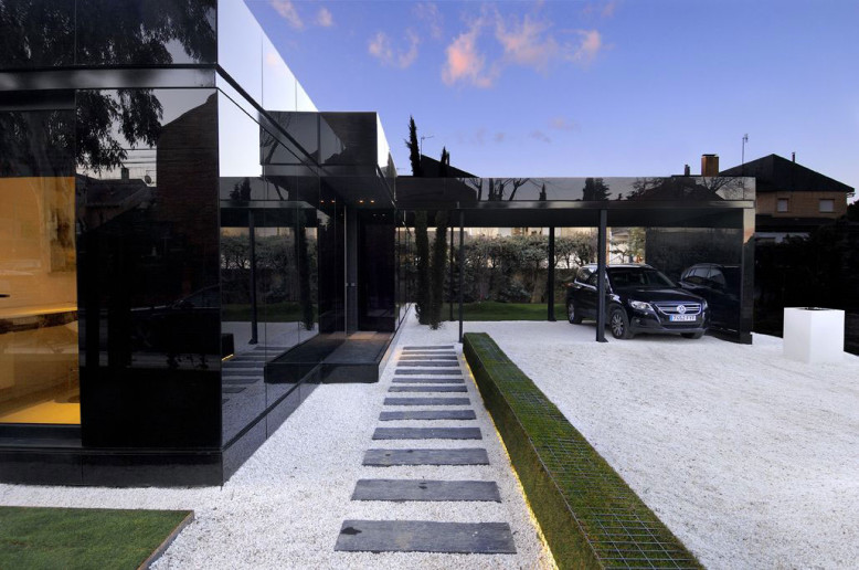 Modern House by A-cero Architects