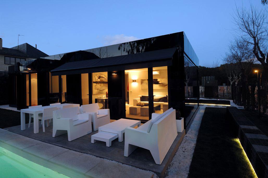 Modular house by a cero architects homedezen - Acero modular precios ...