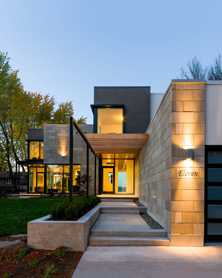 Ottawa River House by Christopher Simmonds Architect