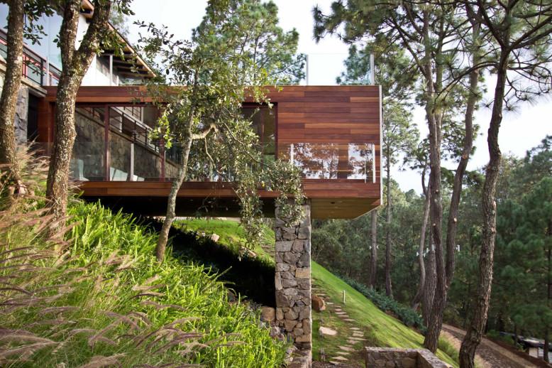 The Forest House by Espacio EMA
