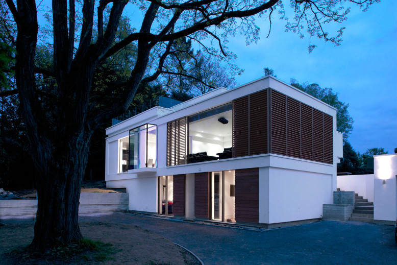 Modern Residence by DyerGrimes Architects
