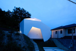 YSY House in Seto by AUAU