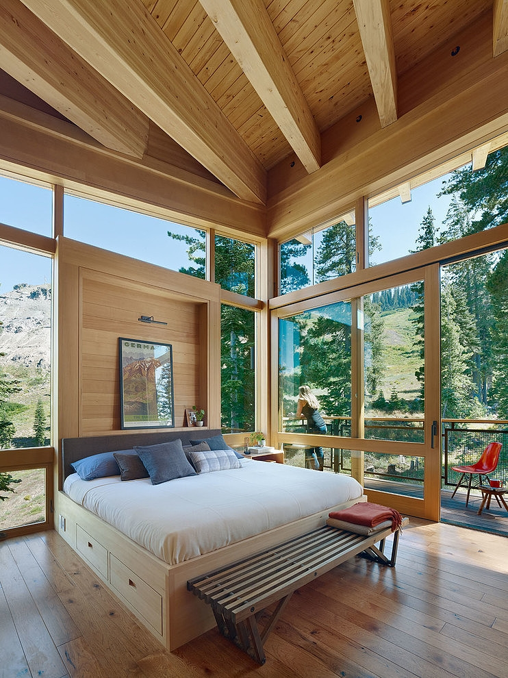 Crow's Nest Residence by Mt. Lincoln Construction