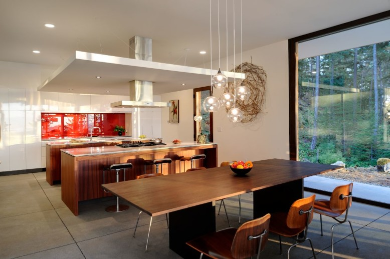 Contemporary House by Gary Gladwish Architecture
