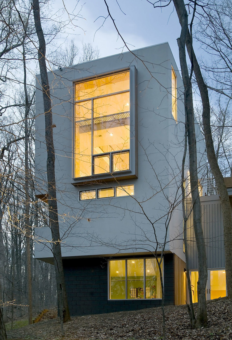 Modern House by Kube Architecture