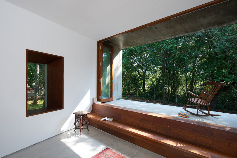 House on a Stream by Architecture BRIO