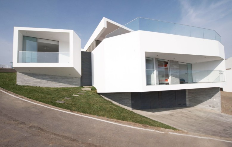J4 Houses by Vertice Arquitectos