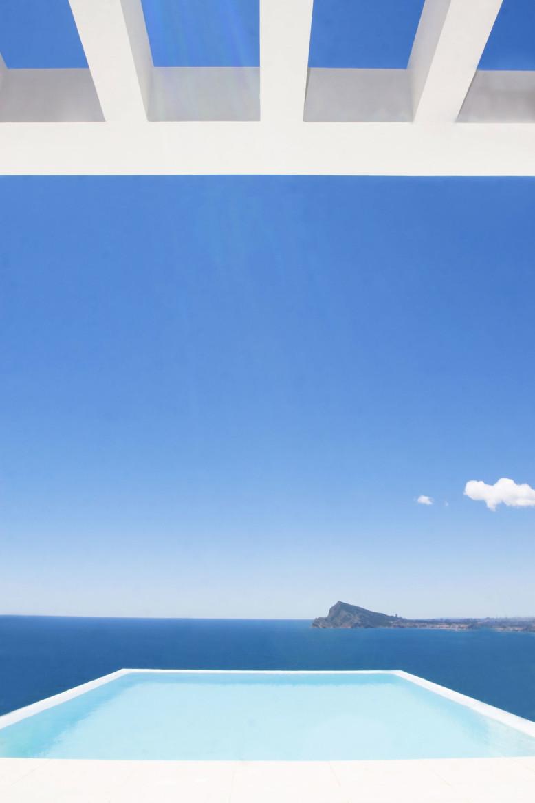 La Perla Del Mediterraneo by Carlos Gilardi