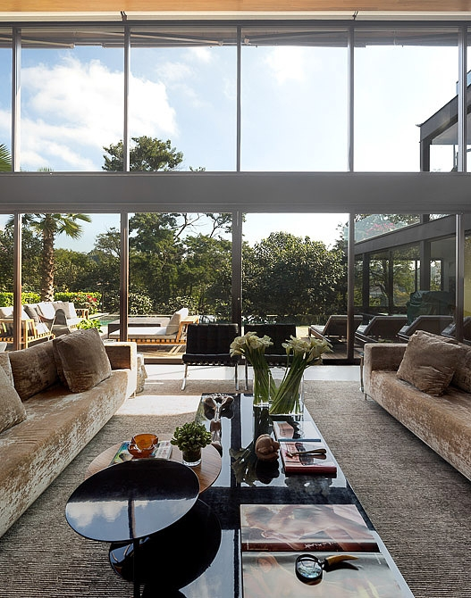 Contemporary House by Fernanda Marques