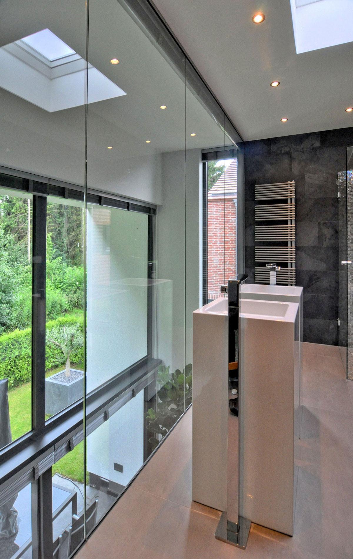 modern house in the netherlands homedezen. Black Bedroom Furniture Sets. Home Design Ideas