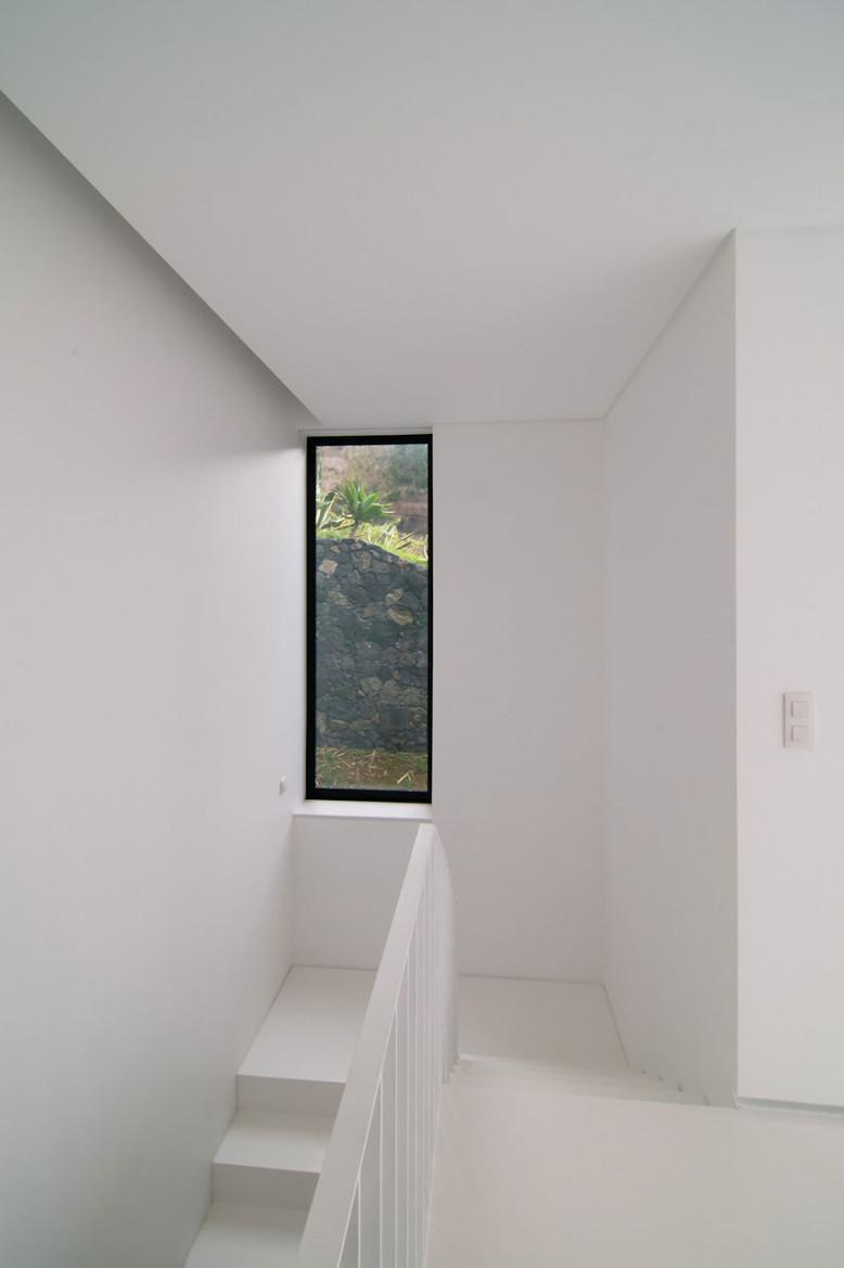 Modern N2X035 House by N2X Arquitectoshouse in Portugal