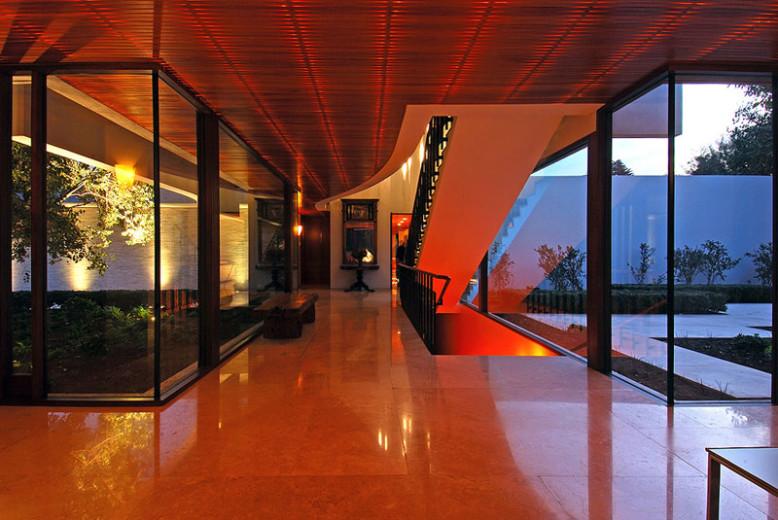 Modern residence in Santiago, Chile