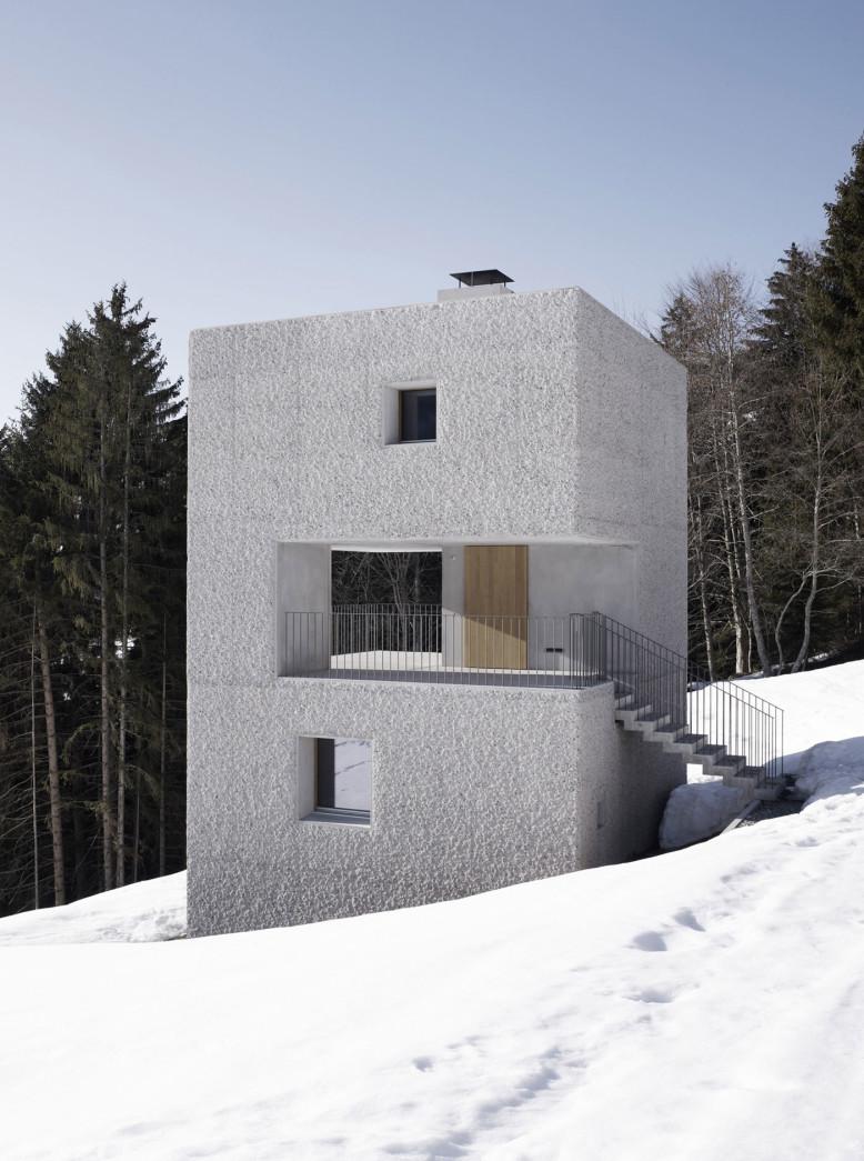 Mountain Cabin by Marte.Marte Architekten