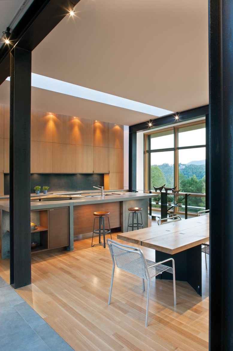 Modern Residence by Carlton Architecture+Design
