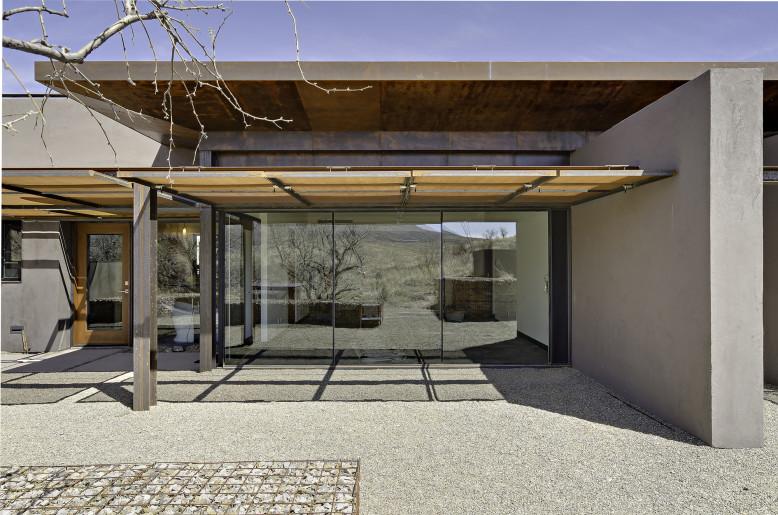 San Cayetano Mountain Residence by DesignBuild Collaborative