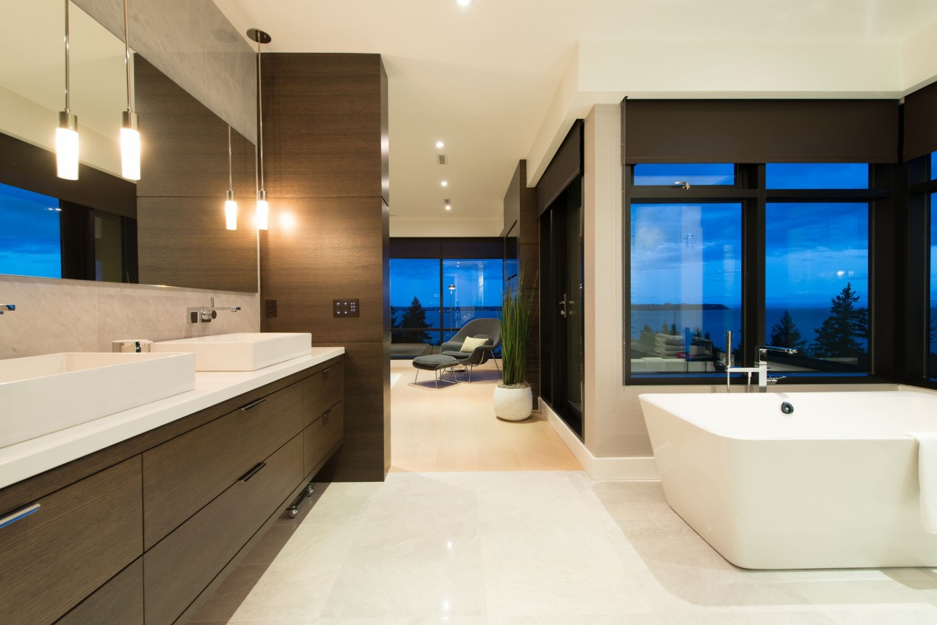 Stylish Private Residence In West Vancouver Canada Homedezen