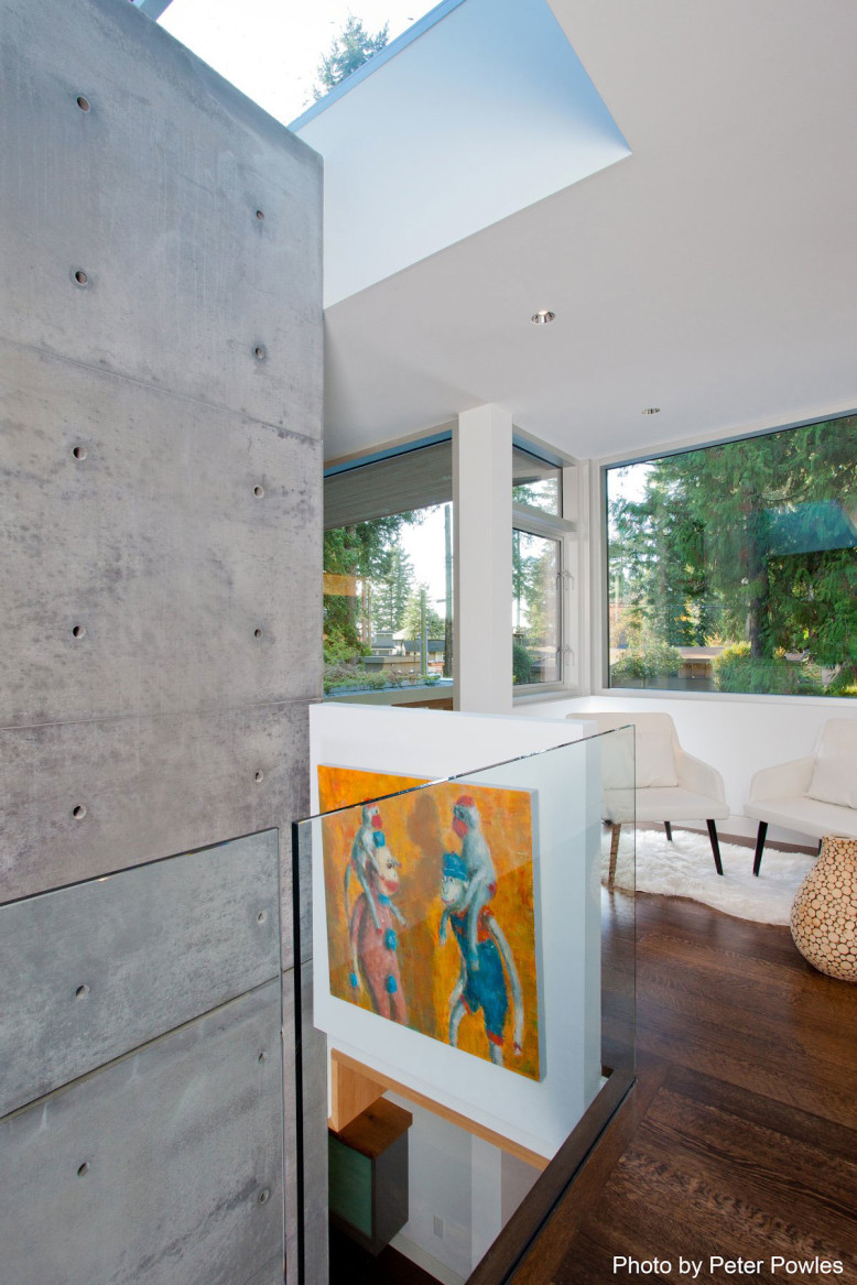 Modern House by Kevin Vallely Design
