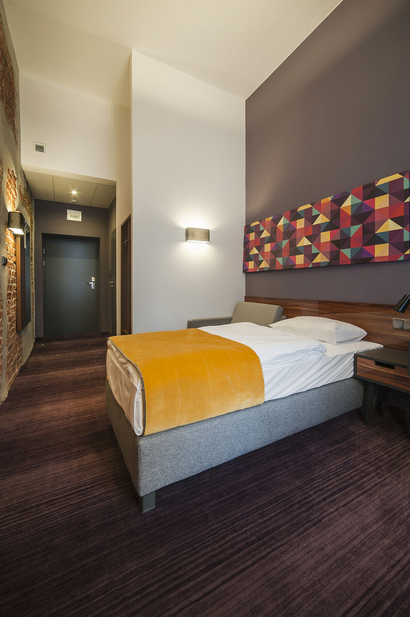 Modern Hotel Room: Tobaco Hotel By EC-5