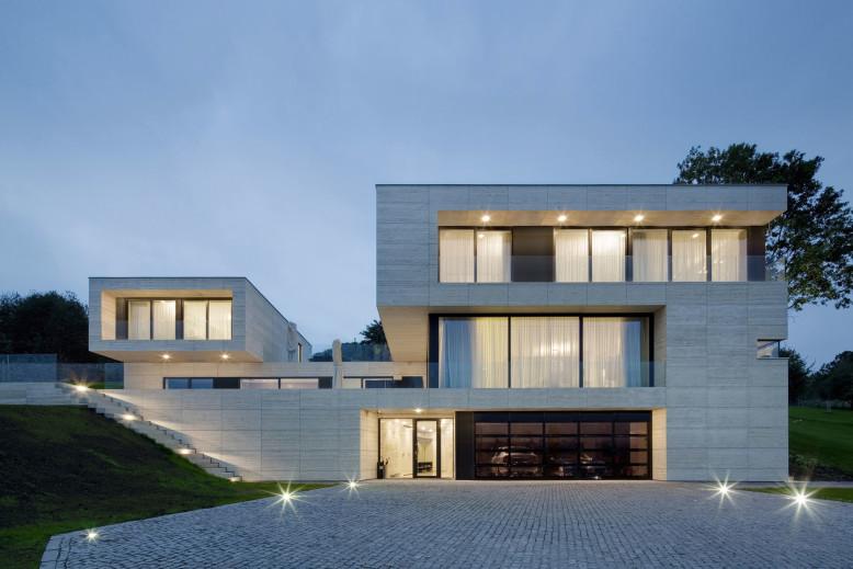 Modern Residence in Děčín by Studio Pha