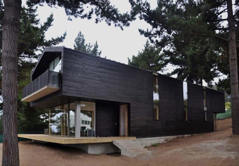 Casa Cantagua by Raimundo Anguita