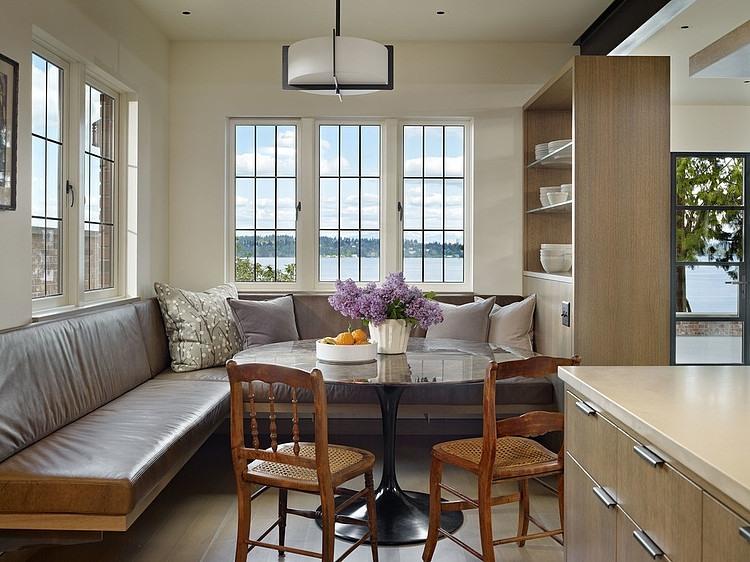Contemporary house on Lake Washington, Seattle