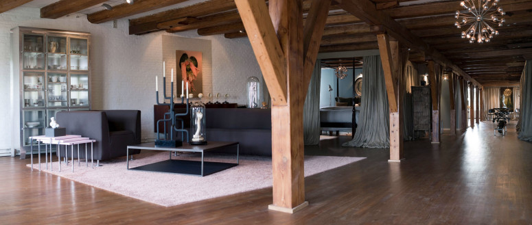 Eclectic loft in Amsterdam by UXUX