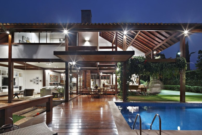Garden House by David Guerra Architecture and Interior