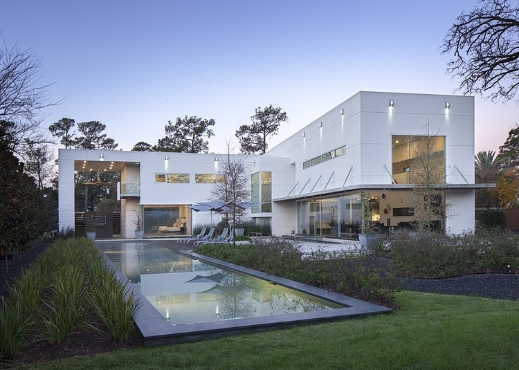 King residence by mc2 architectural studio homedezen for Modern houses houston