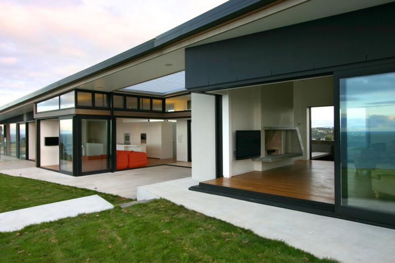 Korora House by Daniel Marshall Architects