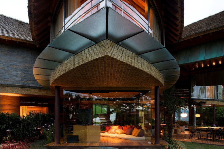 Leaf House in Brazil by Mareines + Patalano Arquitetura