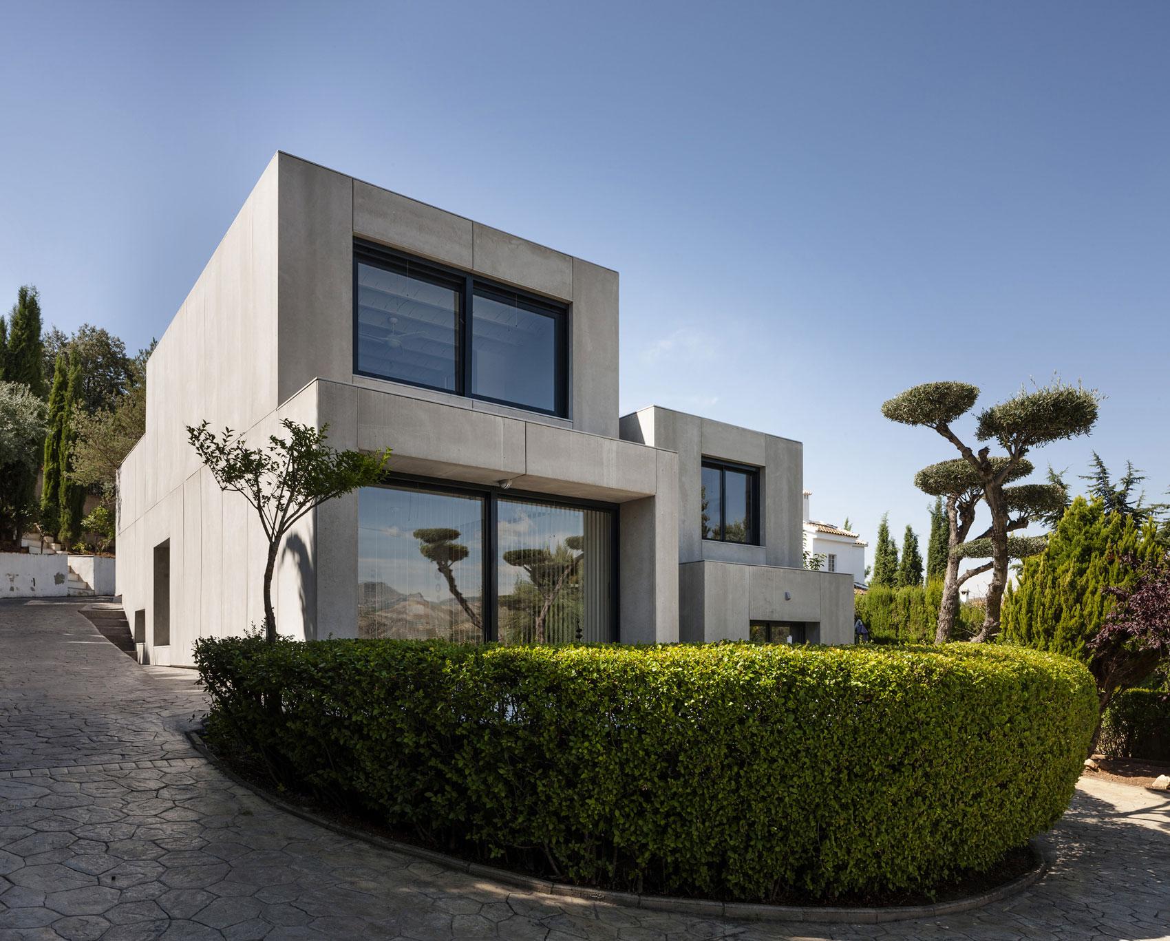 Minimalist Contemporary House In Spain Homedezen