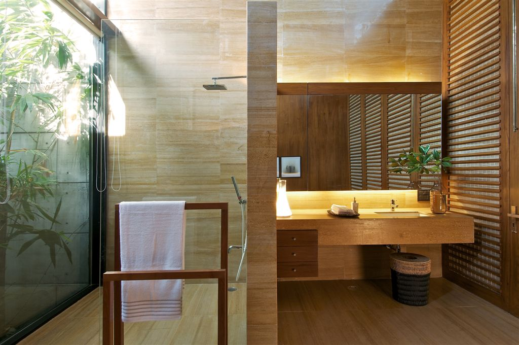 Modern concrete vacation house in india homedezen for Modern bathroom designs in india