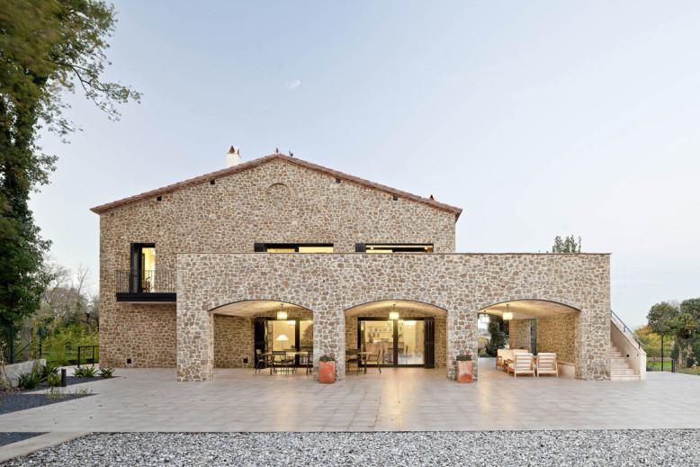 Private House Empordà by Núria Selva Villaronga