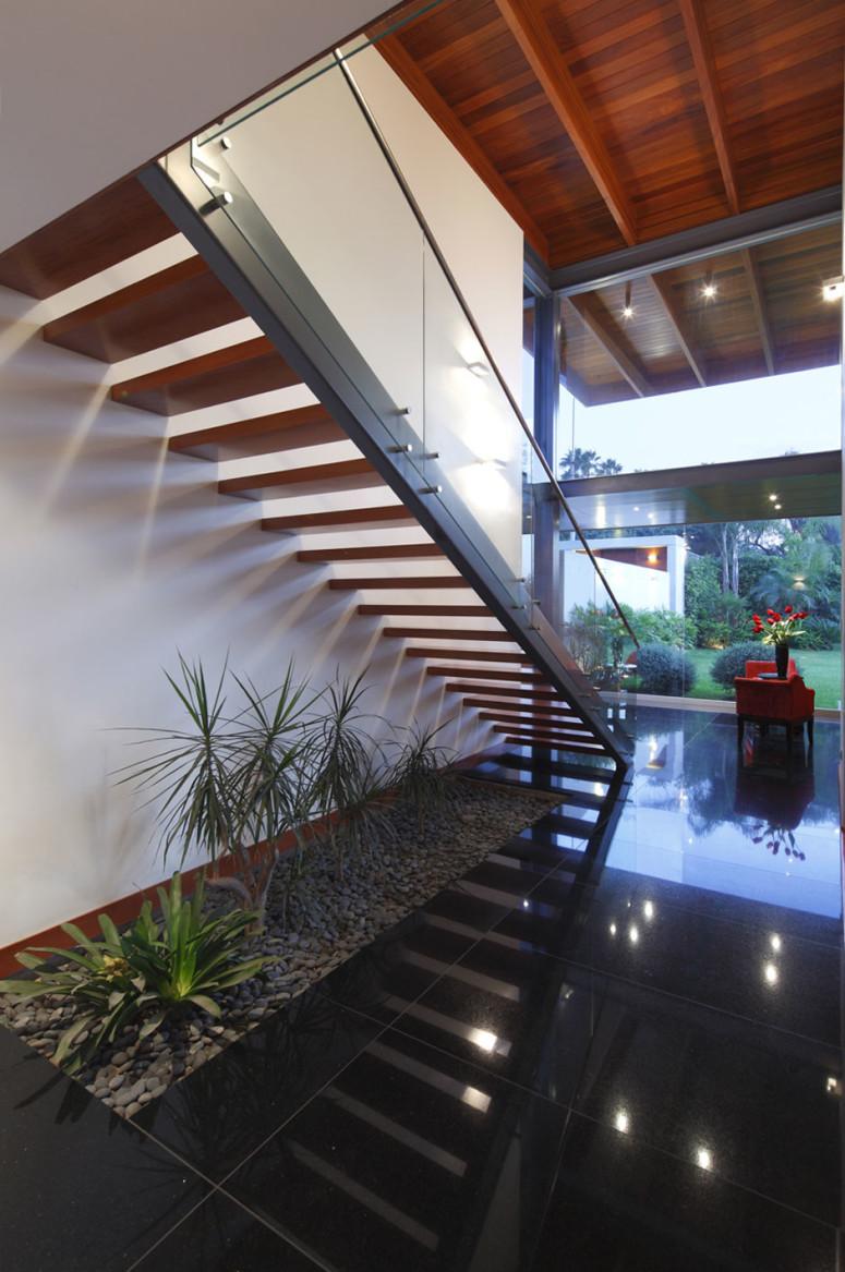 Casa BK by Domenack Arquitectos