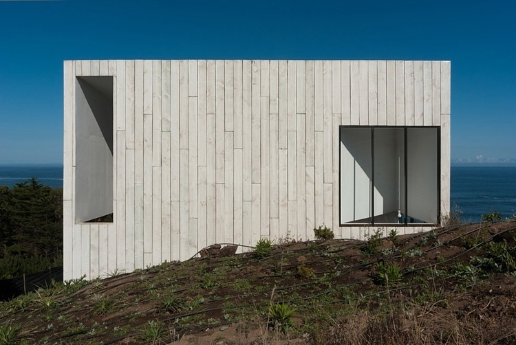 Minimalist two-storey house in Chile with panoramic views