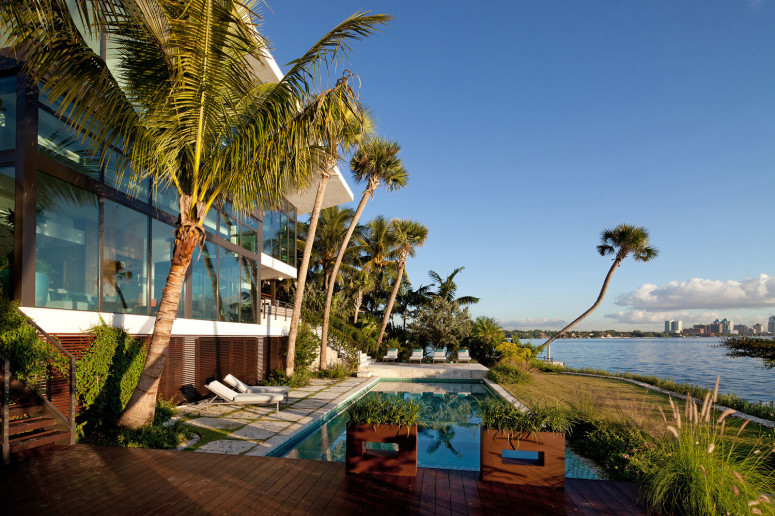 Residence with beautiful views in Miami, Florida