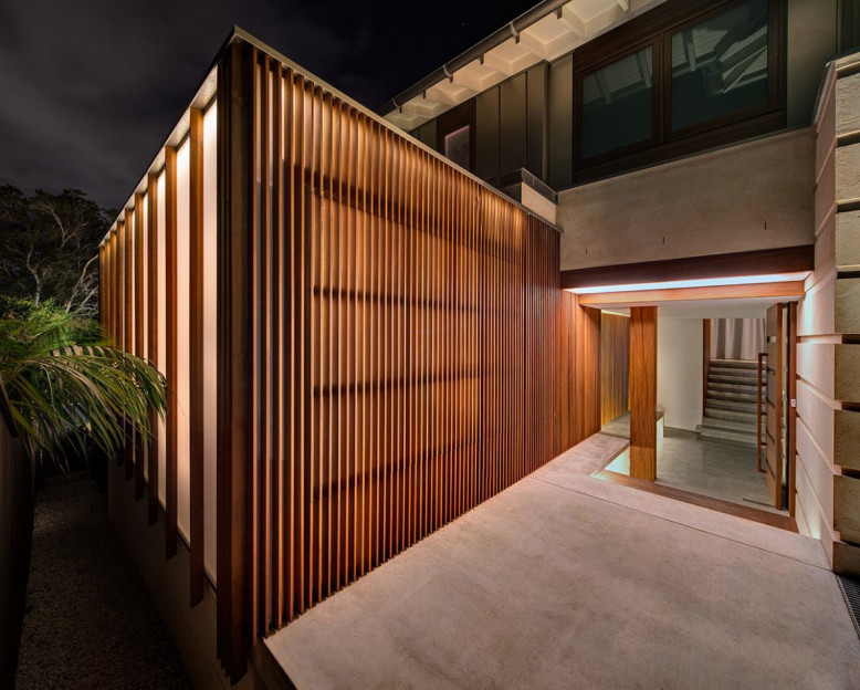 Contemporary House by Roth Architecture