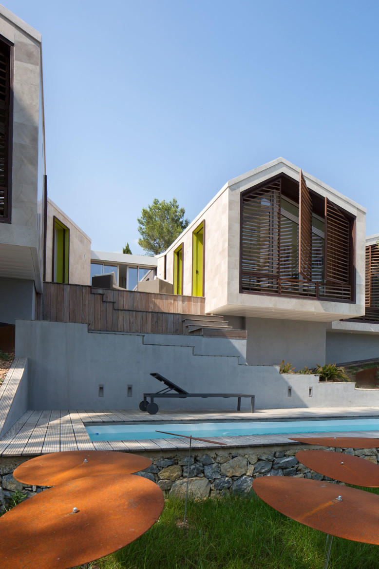 Contemporary house in montpellier by n b architectes for Architecte montpellier