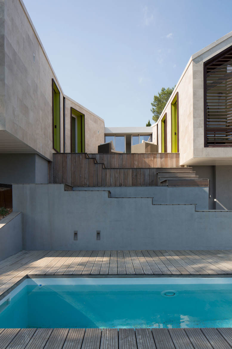Contemporary House in Montpellier by N+B Architectes
