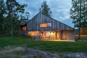 House in Holmestrand by Schjelderup Trondahl Architects