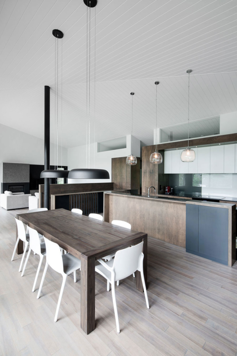Contemporary House by naturehumaine